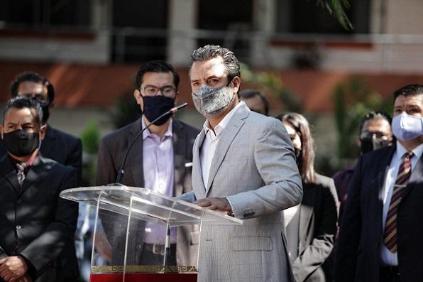 Asimismo, el presidente de la capital de Morelos llamó a los morelenses a la unidad, al trabajo y a dejar de lado protagonismos y no hacer caso a quienes desinforman con el único intereses de dividir y confrontar a la población